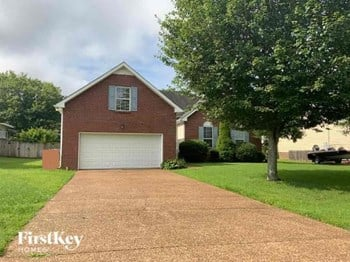 807 Highland Drive 4 Beds House for Rent Photo Gallery 1