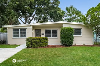 3775 32ND AVE N 3 Beds House for Rent Photo Gallery 1
