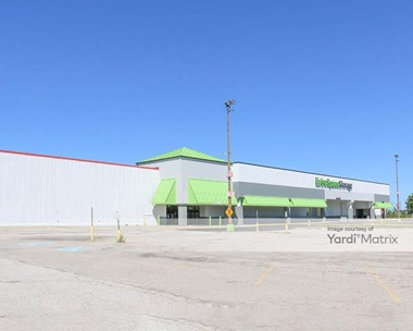 Storage Units for Rent available at 1200 Babbitt Road, Euclid, OH 44132 Photo Gallery 1