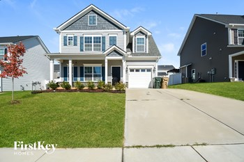 143 Douglas Fir Place 5 Beds House for Rent Photo Gallery 1