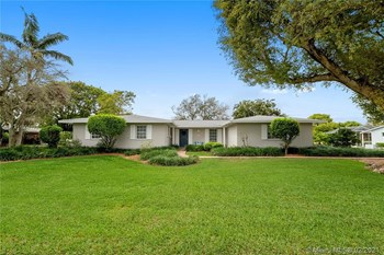 16220 Southwest 88Th Avenue Road 4 Beds House for Rent Photo Gallery 1