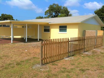 4908 20Th Street West #A 2 Beds House for Rent Photo Gallery 1