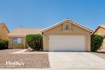 4543 Carmar Drive 4 Beds House for Rent Photo Gallery 1