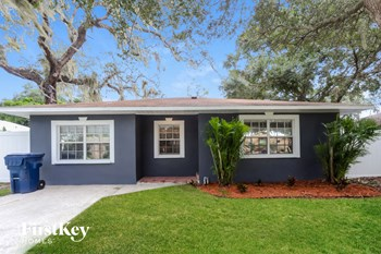 6722 S ENGLEWOOD AVENUE 3 Beds House for Rent Photo Gallery 1