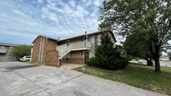 6804 W Par Lane 2 Beds Apartment for Rent Photo Gallery 1