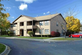 455 Titus Avenue 2 Beds Apartment for Rent Photo Gallery 1