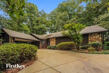 1829 E Gate Drive 3 Beds House for Rent Photo Gallery 1