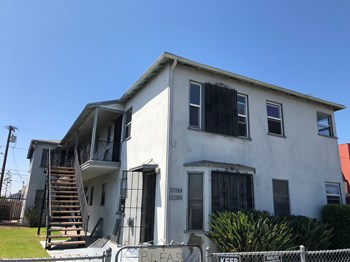 10817 South Western Avenue 2 Beds Apartment for Rent Photo Gallery 1