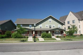 1000 Olson Memorial Hwy. 1-3 Beds Apartment for Rent Photo Gallery 1
