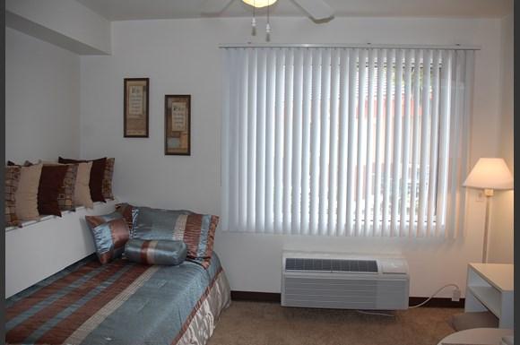 Irvine Inn Apartments 2810 Warner Avenue Irvine Ca Rentcaf