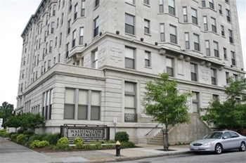600 N. Kingshighway 1 Bed Apartment for Rent Photo Gallery 1