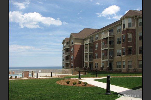The Landing At Park Shore Apartments 4100 S Lake Drive
