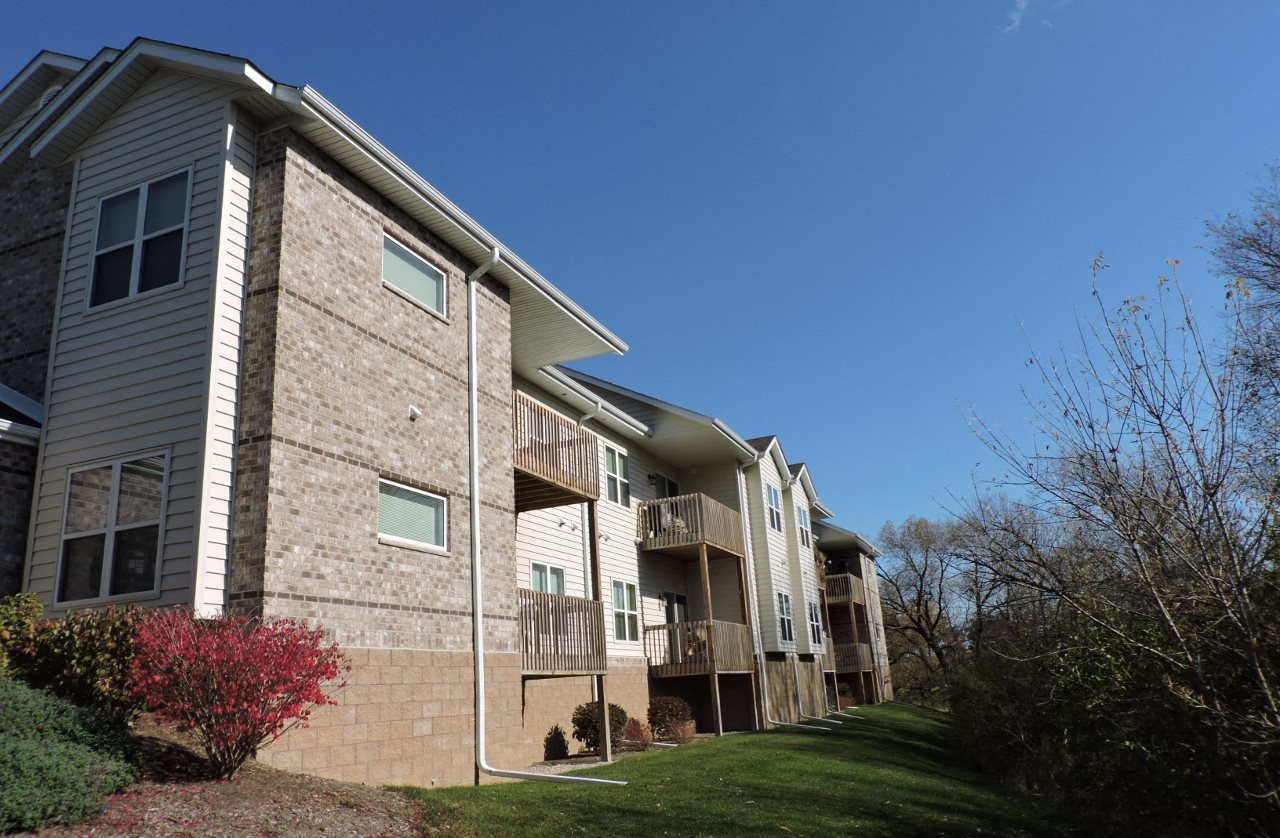 Photos and Video of Stonegate Apartments in New Berlin, WI