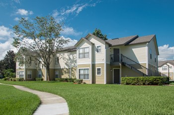 15122 West Colonial Drive 1-3 Beds Apartment for Rent Photo Gallery 1