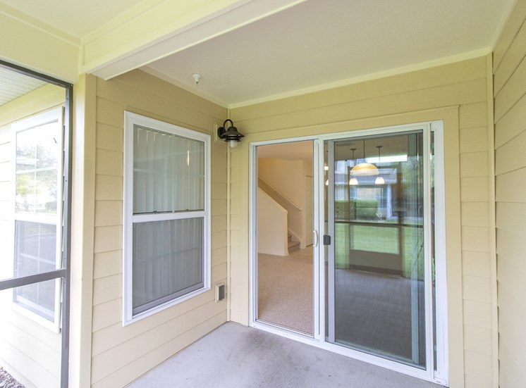 Covington Club Apartments for rent in Oviedo, FL. Make this community your new home or visit other Concord Rents communities at ConcordRents.com. Patio