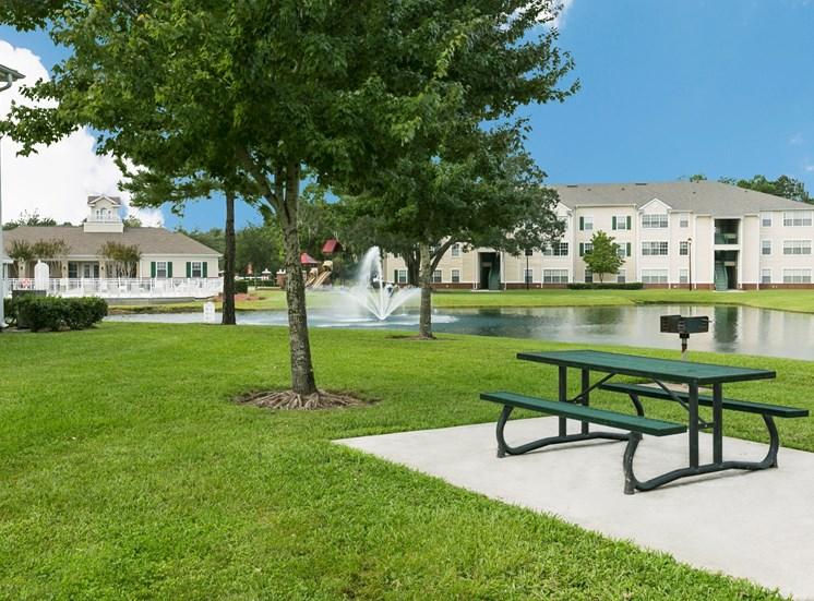 Eagles Pointe Apartments for rent in Brunswick, GA. Make this community your new home or visit other ConcordRENTS communities at ConcordRENTS.com. Picnic area