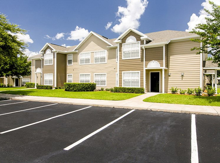 Brooke Commons Apartments for rent in Orlando, FL. Make this community your new home or visit other Concord Rents communities at ConcordRents.com. Building exterior