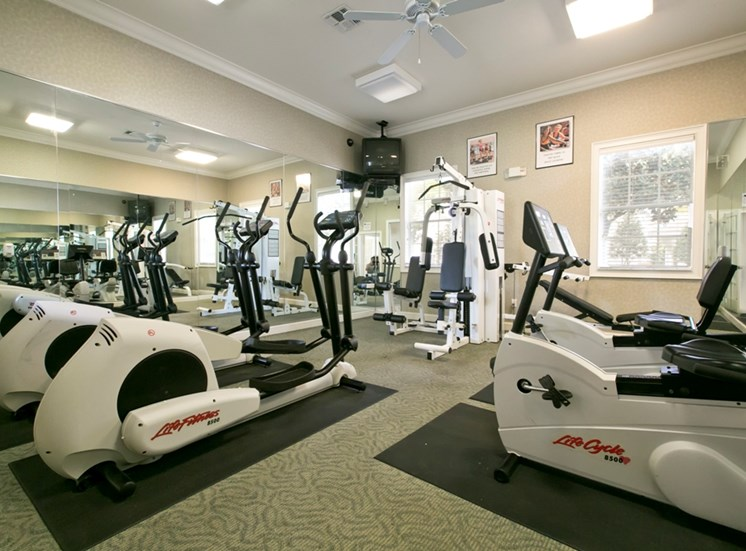 Kathleen Pointe Apartments for rent in Lakeland, FL. Make this community your new home or visit other ConcordRENTS communities at ConcordRENTS.com. Fitness center