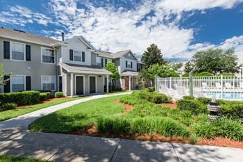 32511 Lake Harris Cove Avenue 1-4 Beds Apartment for Rent Photo Gallery 1