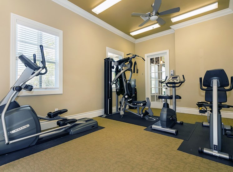 Lakewood Pointe Apartments for rent in Seffner, FL. Make this community your new home or visit other Concord Rents communities at ConcordRents.com. Fitness center