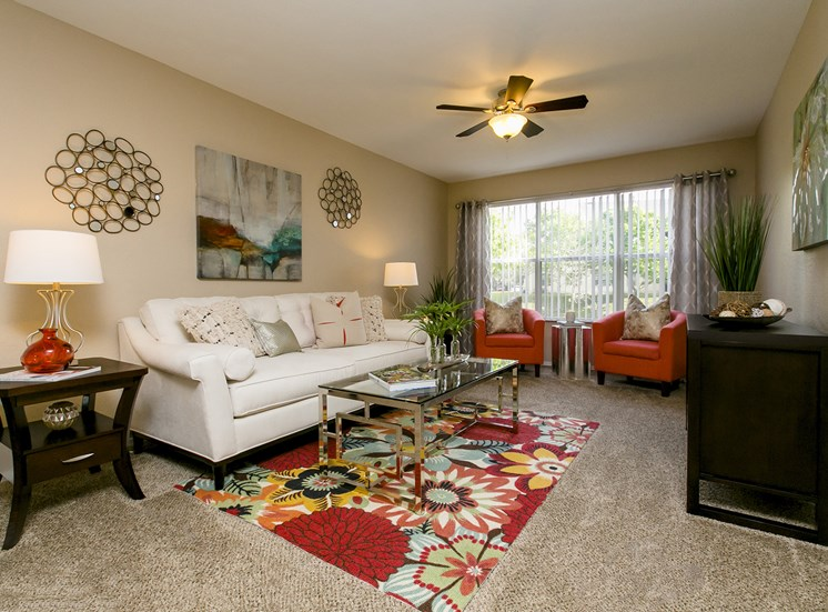 Trails at Loma for rent in Oviedo, FL. Make this community your new home or visit other Concord Rents communities at ConcordRents.com. Living room