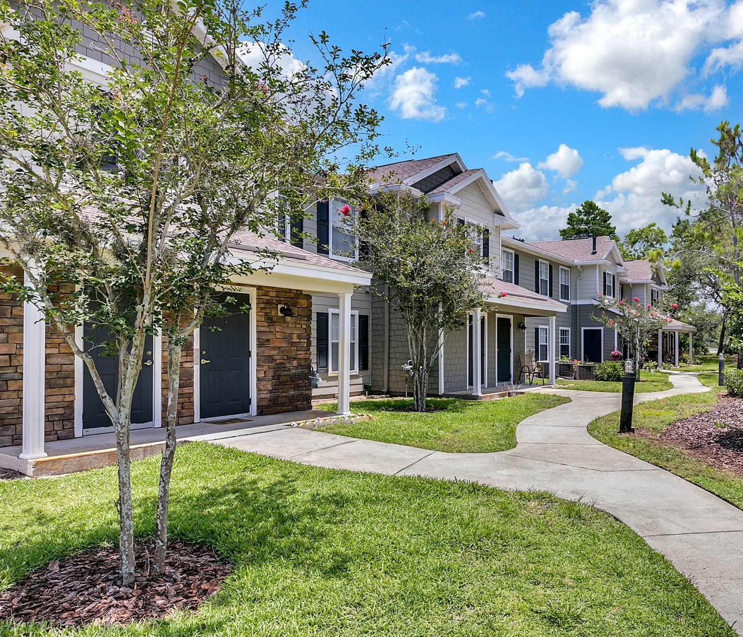 Cape Cod Apartments: Apartments In Spring Hill, FL