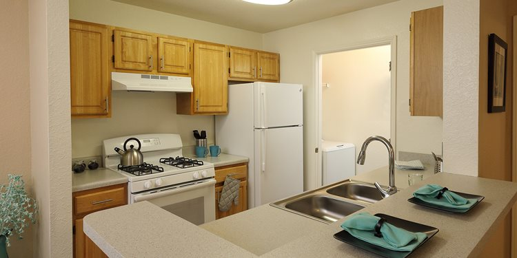 Stuart Pointe Apartments for rent in Jensen Beach, FL. Make this community your new home or visit other Concord Rents communities at ConcordRents.com. Kitchen