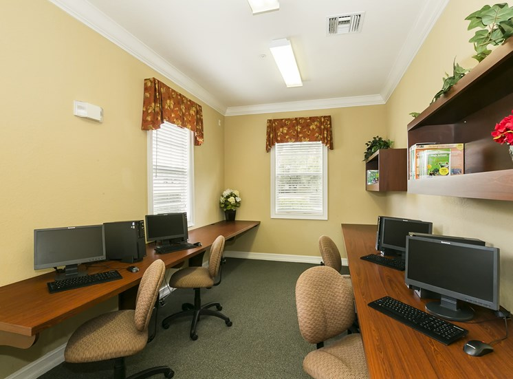 Business Center at University Club, for more communities, visit Concord Rents at ConcordRents.com