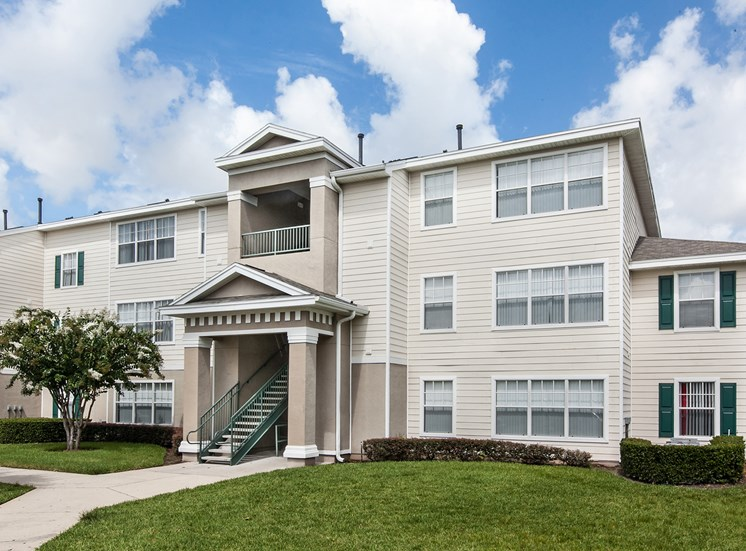 University Club Apartments for rent in Sarasota, FL. Make this community your new home or visit other ConcordRENTS communities at ConcordRENTS.com. Building exterior