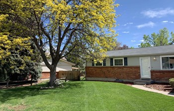 6256 S Ash Cir. East 3 Beds House for Rent Photo Gallery 1