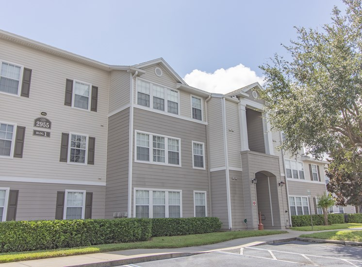 Wickham Club Apartments for rent in Melbourne, FL. Make this community your new home or visit other Concord Rents communities at ConcordRENTS.com. Building exterior