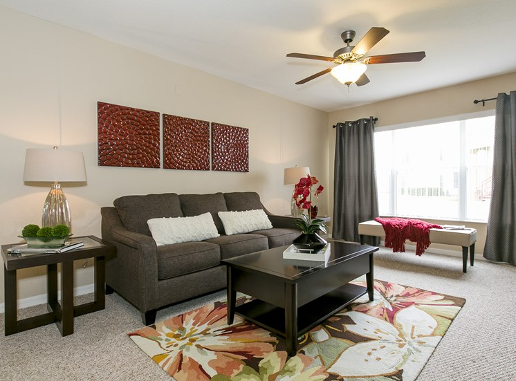 Wickham Club Apartments for rent in Melbourne, FL. Make this community your new home or visit other Concord Rents communities at ConcordRENTS.com. Living room