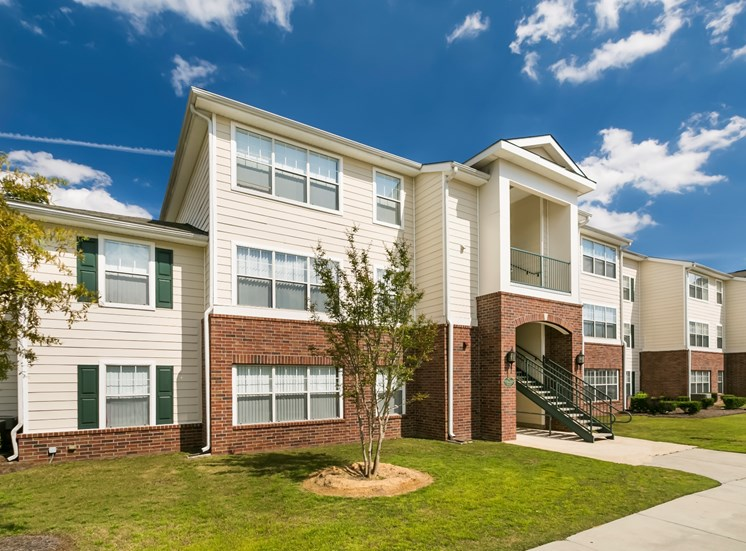 Woodlake Club Apartments for rent in Augusta, GA. Make this community your new home or visit other Concord Rents communities at ConcordRENTS.com. Building exterior