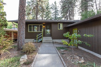 1908 East 15Th Avenue 4 Beds House for Rent Photo Gallery 1