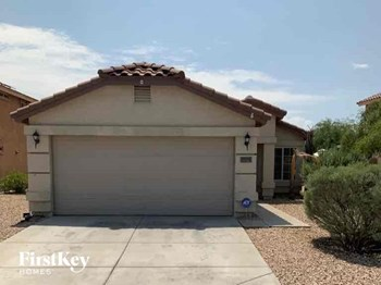 22577 W SOLANO Drive 3 Beds House for Rent Photo Gallery 1