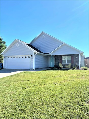 603 Walkens Woods Lane 3 Beds House for Rent Photo Gallery 1