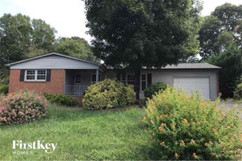 102 Fairway Drive 3 Beds House for Rent Photo Gallery 1