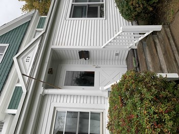 272 Colchester Avenue 6 Beds House for Rent Photo Gallery 1