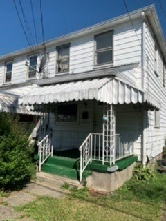 525 Farnsworth Avenue 2 Beds House for Rent Photo Gallery 1