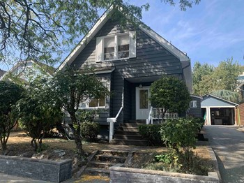 521 23Rd Ave E 3 Beds House for Rent Photo Gallery 1