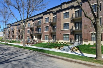 3725 29Th Avenue South Studio-2 Beds Apartment for Rent Photo Gallery 1