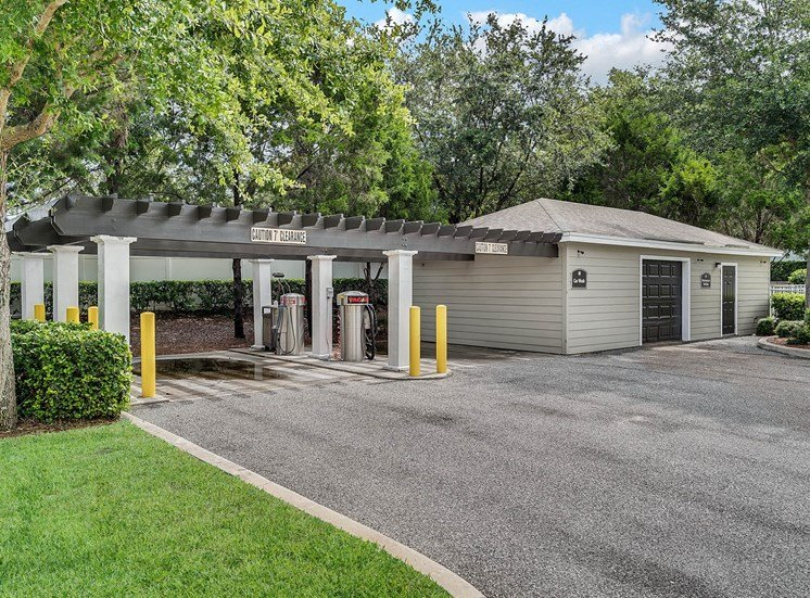 Rolling Acres Apartments for rent in Tampa, FL. Make this community your new home or visit other Concord Rents communities at ConcordRents.com. Car care center