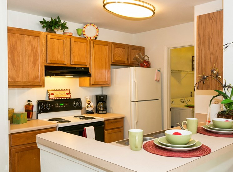 Somerset Club Apartments for rent in Cartersville, GA. Make this community your new home or visit other ConcordRENTS communities at ConcordRENTS.com. Kitchen