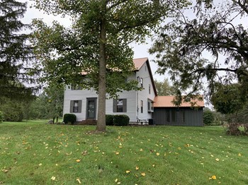 220 West Hamilton Road North 4 Beds House for Rent Photo Gallery 1