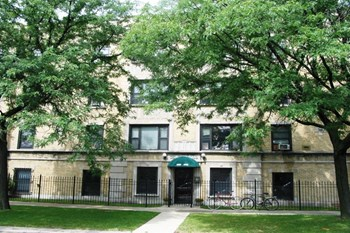 1901 W Wilson Ave 1-2 Beds Apartment for Rent Photo Gallery 1
