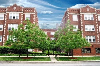 1828 W Lawrence Ave 1-2 Beds Apartment for Rent Photo Gallery 1