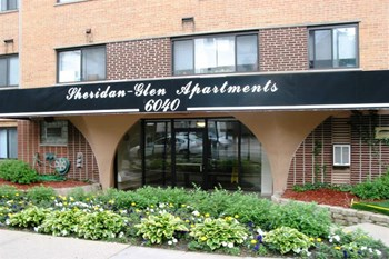6040 N Sheridan Rd Studio-1 Bed Apartment for Rent Photo Gallery 1