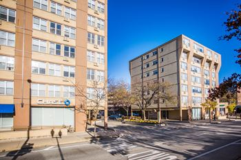 6401 N Sheridan Rd Studio-2 Beds Apartment for Rent Photo Gallery 1