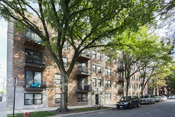 4759 N Maplewood Ave 1-2 Beds Apartment for Rent Photo Gallery 1