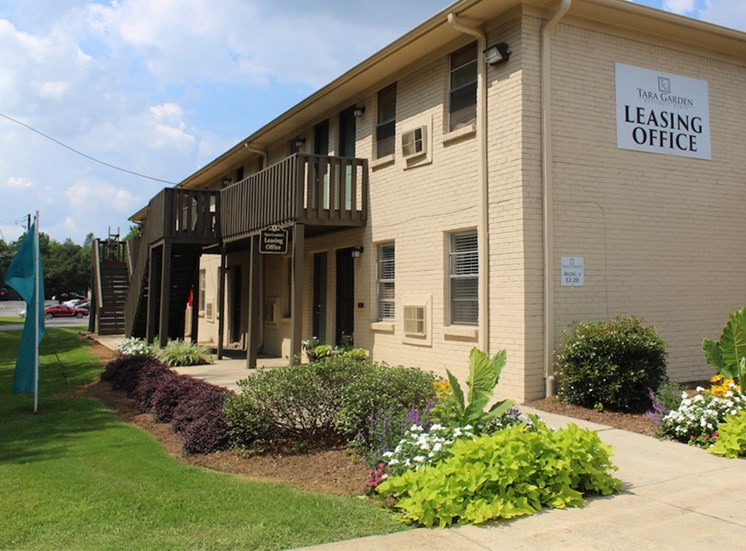 Tara Garden Apartments in Huntsville, Alabama newly renovated leasing office